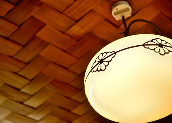 Ajiro wickerwork ceiling and an antique light